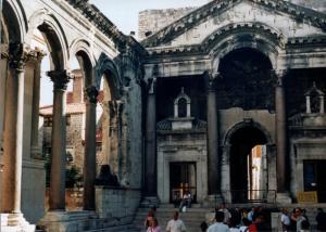 Palazzo_di_Diocleziano_-_Spalato