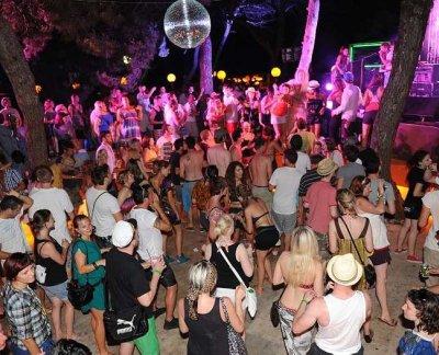 garden festival tisno