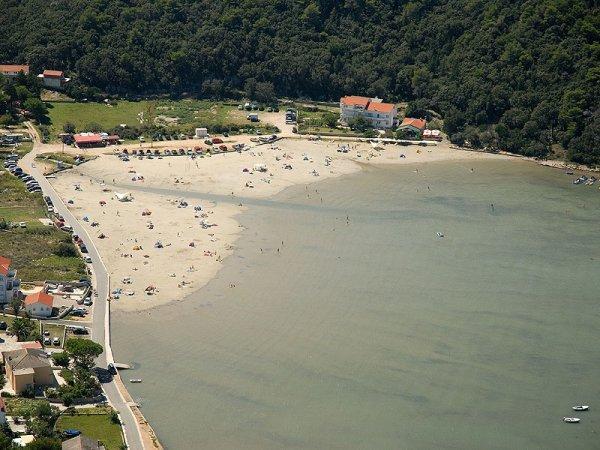 kampor pláž mel