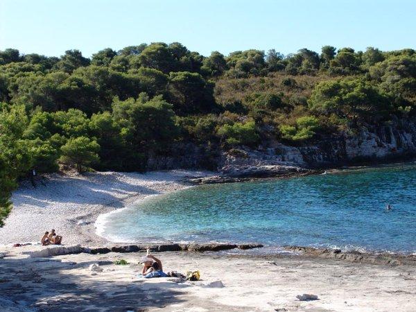 Nejlepší vzdálená/rurální pláž - Srebrena na ostrově Vis