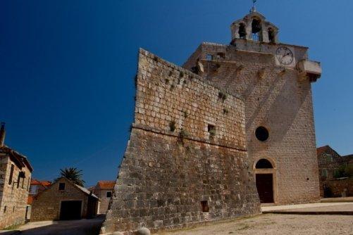 vrboska kostel