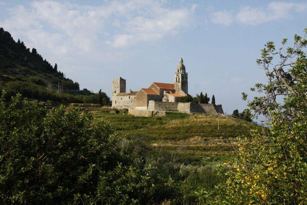 Komiža - kostel