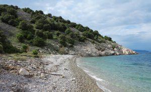 Cres, pláž u Meragu
