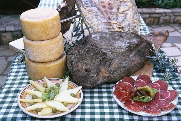 pašký sýr a pršut