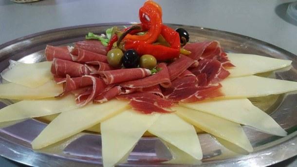 paški sýr a pršut