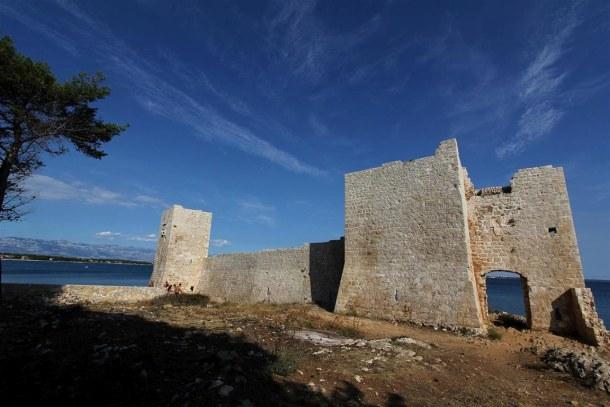 pevnost Kastelina na ostrově Vir