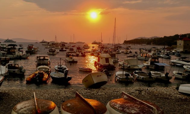 lodě_západ slunce